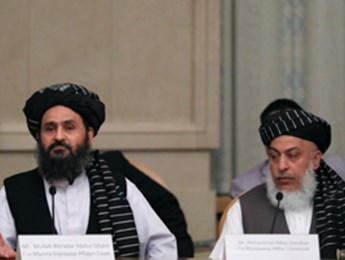 Taliban chief negotiator Mullah Abdul Ghani Baradar (L) and political affairs head Mohammad Abbas Stanikzai (Reuters/Evgenia Novozhenina)