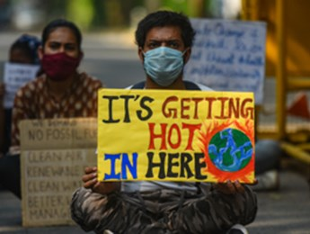 Activists protest against climate change at India's Ministry of Environment, Delhi, September 25 (Amal KS/Hindustan Times/Shutterstock)